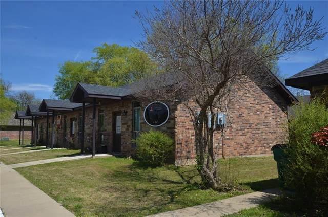101 Chrissa Drive, Pottsboro, TX 75076 (MLS #14546888) :: KW Commercial Dallas