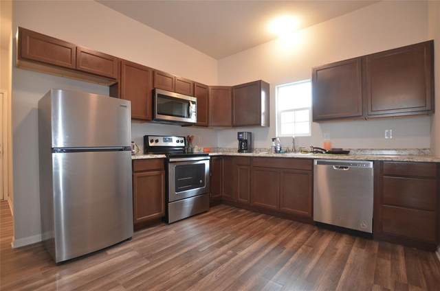 111 Britton Street, Tom Bean, TX 75489 (MLS #14548296) :: Real Estate By Design