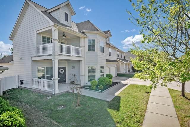 941 Cotton Exchange Drive, Savannah, TX 76227 (MLS #14550794) :: Team Tiller
