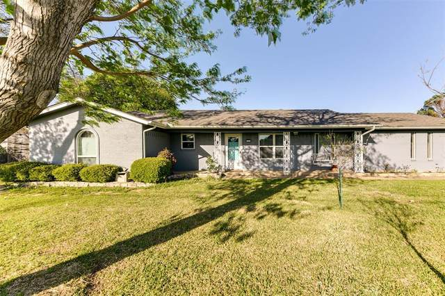 3317 S Shady Lane, Arlington, TX 76001 (MLS #14551379) :: Real Estate By Design