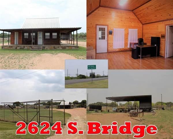 2624 S Bridge Street, Brady, TX 76825 (MLS #14556557) :: Real Estate By Design