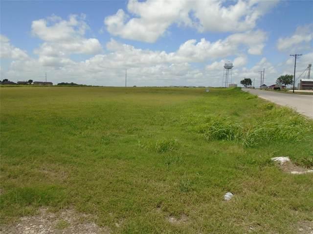 304 W Gillum Street, Grandview, TX 76050 (MLS #14558489) :: Real Estate By Design