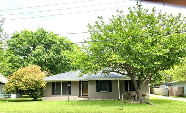 1106 Whaley Drive, Gainesville, TX 76240 (MLS #14561221) :: The Mauelshagen Group