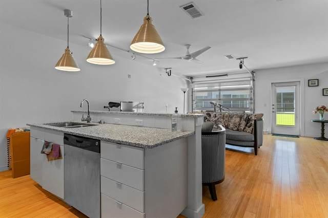 1111 S Akard Street #307, Dallas, TX 75215 (MLS #14561717) :: Frankie Arthur Real Estate