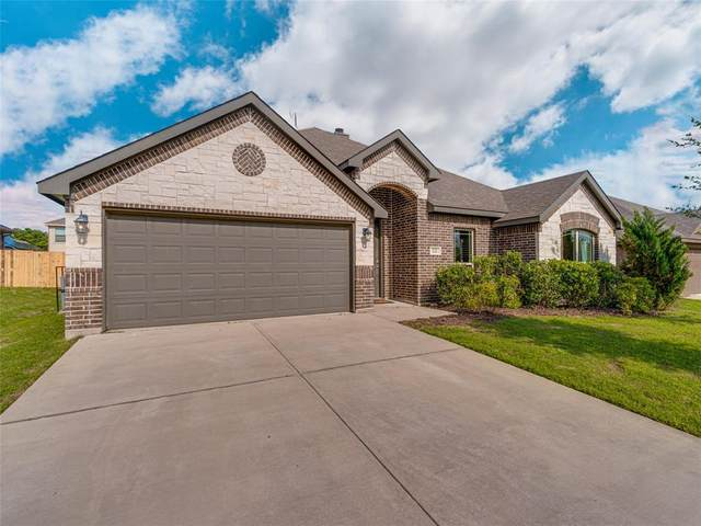 122 Liberty Way, Waxahachie, TX 75167 (#14569479) :: Homes By Lainie Real Estate Group
