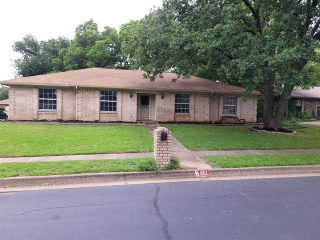 901 Woodhaven Court, Euless, TX 76039 (MLS #14569893) :: Wood Real Estate Group
