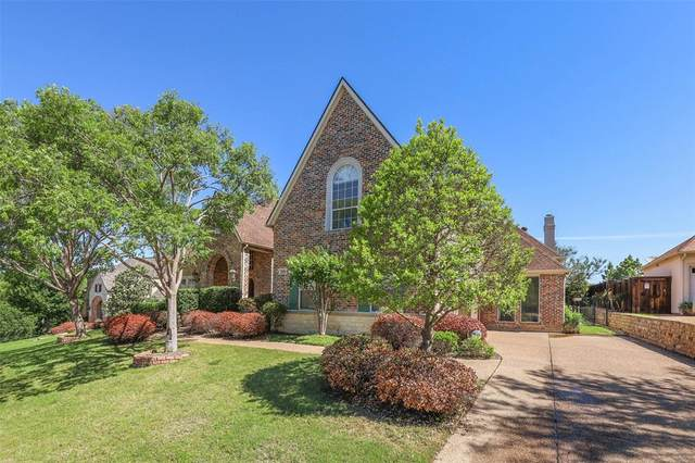 2806 Woodlake Court, Highland Village, TX 75077 (MLS #14569980) :: Team Tiller