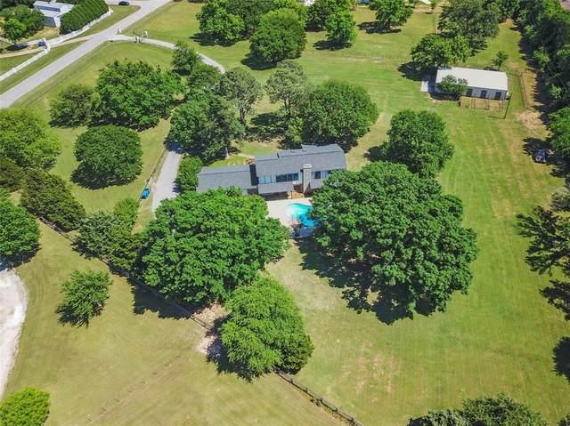 825 Estates Drive, Copper Canyon, TX 75077 (MLS #14570952) :: Real Estate By Design