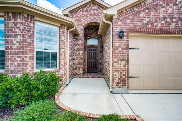 2432 Clay Creek Lane, Fort Worth, TX 76177 (MLS #14575930) :: Real Estate By Design