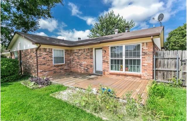 1236 N Knowles Drive, Saginaw, TX 76179 (MLS #14581117) :: Real Estate By Design