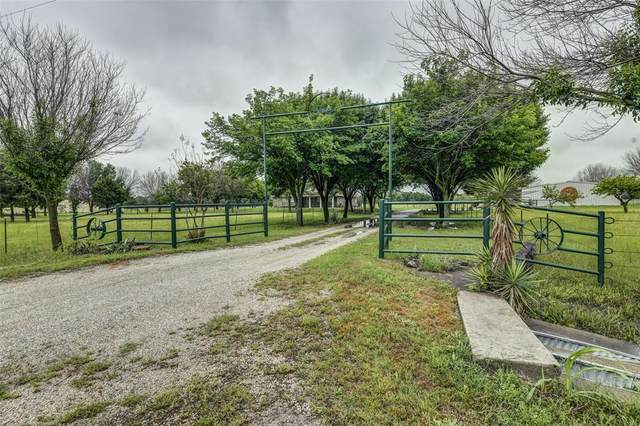 5485 Crow Wright Road, Sanger, TX 76266 (MLS #14585050) :: Real Estate By Design