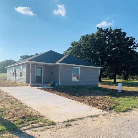 120 Oakwood Street, Chico, TX 76431 (MLS #14590427) :: Robbins Real Estate Group