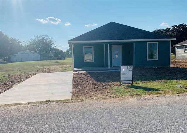 124 Oakwood Street, Chico, TX 76431 (MLS #14590581) :: Robbins Real Estate Group