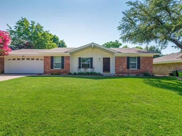 1124 Zelda Drive, Hurst, TX 76053 (MLS #14591220) :: The Mitchell Group