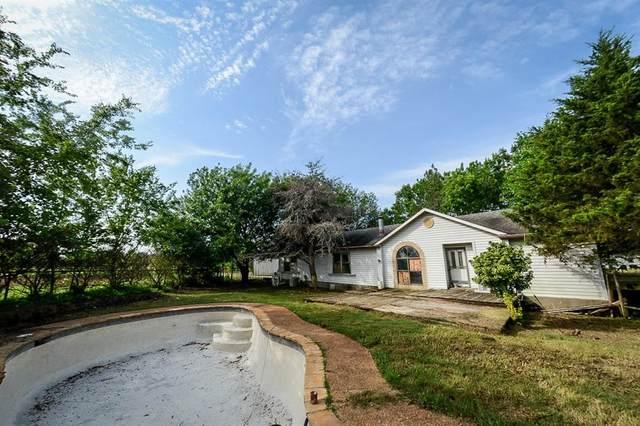 1918 Flowing Wells Road, Pottsboro, TX 75076 (MLS #14592746) :: Real Estate By Design