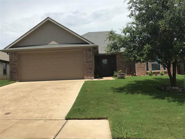 1229 Newcastle Drive, Weatherford, TX 76086 (MLS #14594469) :: Real Estate By Design