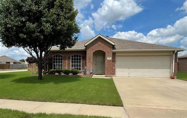 205 Saddlebrook Drive, Krum, TX 76249 (MLS #14594930) :: Real Estate By Design