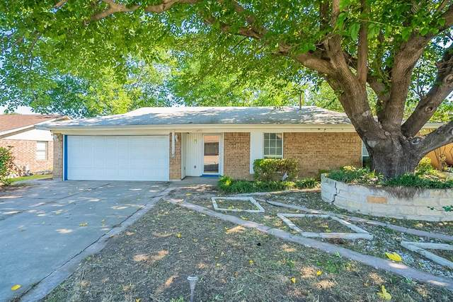 6013 Highcrest Drive, Watauga, TX 76148 (MLS #14595342) :: Real Estate By Design