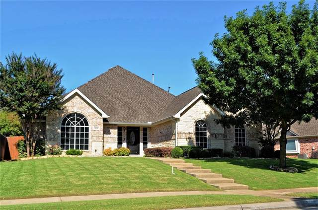 1802 Lakes Edge Boulevard, Mansfield, TX 76063 (MLS #14595728) :: Front Real Estate Co.