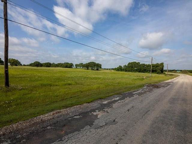 165 Nocona Drive, Nocona, TX 76225 (MLS #14599151) :: Real Estate By Design