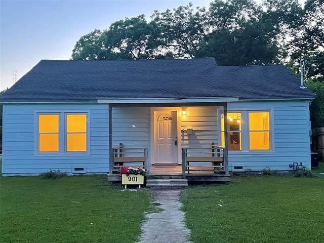 901 Gladney Street, Gainesville, TX 76240 (MLS #14600333) :: Real Estate By Design