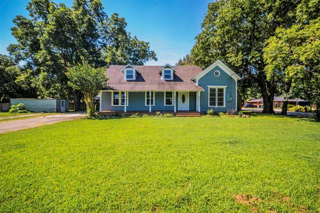 501 E Gee Street, Pilot Point, TX 76258 (MLS #14601561) :: Real Estate By Design