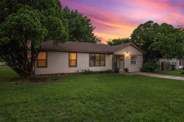 305 N Lucas Drive, Grapevine, TX 76051 (MLS #14608047) :: The Hornburg Real Estate Group