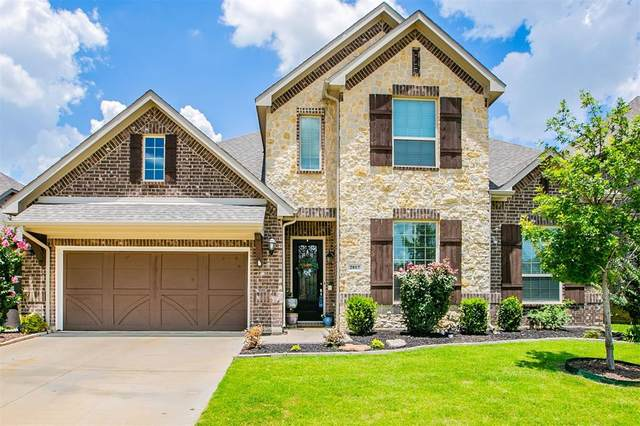 2817 Twin Ridge Drive, Arlington, TX 76001 (MLS #14610064) :: Real Estate By Design