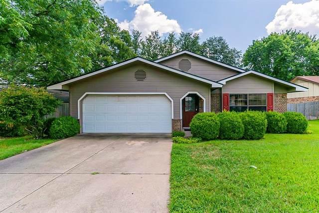 2232 Sequoia Lane, Bedford, TX 76021 (MLS #14610803) :: Real Estate By Design