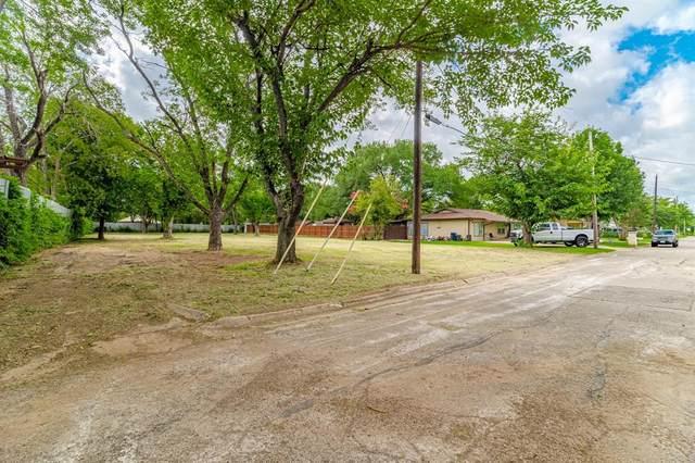 2716 Thomas Road, Haltom City, TX 76117 (MLS #14612083) :: Real Estate By Design