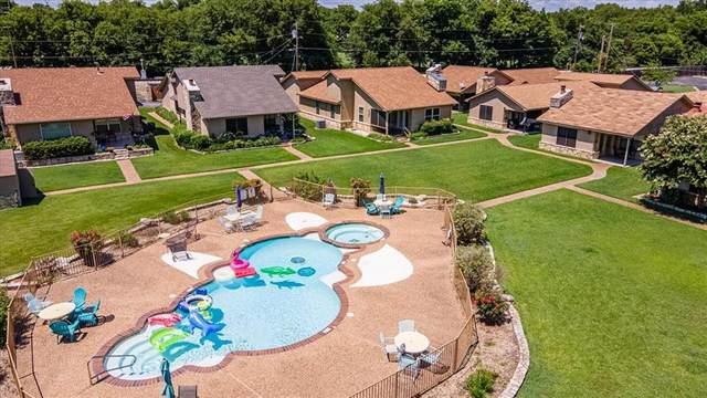 418 E Ewell Street, Granbury, TX 76048 (#14617111) :: Homes By Lainie Real Estate Group