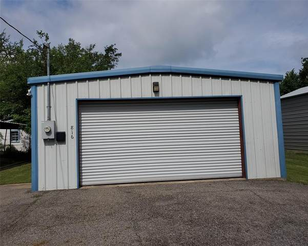 816 N Walnut Street, Sherman, TX 75090 (#14617172) :: Homes By Lainie Real Estate Group