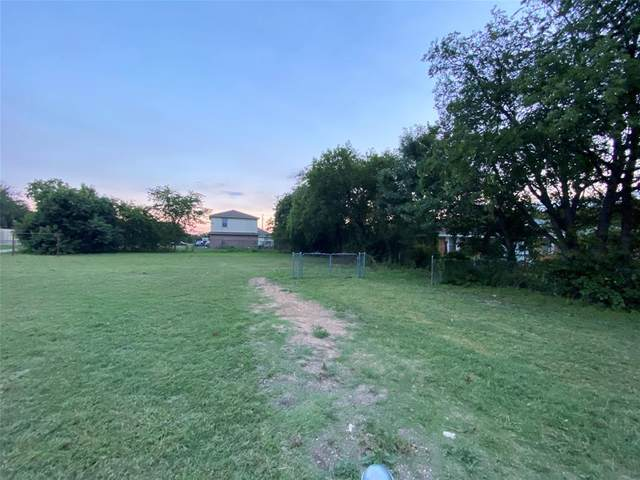 2414 Clearview Circle, Dallas, TX 75233 (MLS #14618458) :: Robbins Real Estate Group