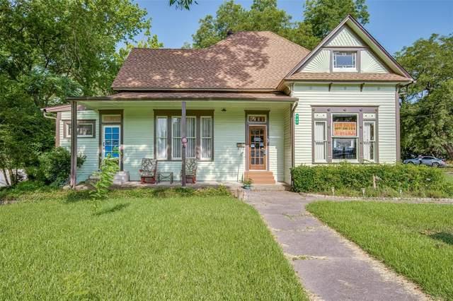 705 N Rockwall Avenue, Terrell, TX 75160 (MLS #14619284) :: The Star Team | Rogers Healy and Associates