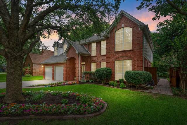 1121 W Winding Creek Drive, Grapevine, TX 76051 (MLS #14619737) :: The Star Team | JP & Associates Realtors