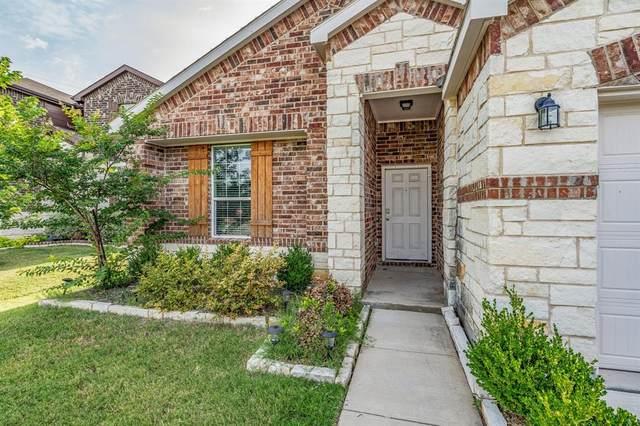 2217 Bernese Lane, Fort Worth, TX 76131 (MLS #14624693) :: The Mauelshagen Group