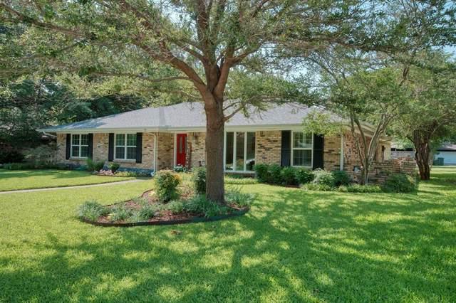 1608 Westridge Drive, Plano, TX 75075 (MLS #14624906) :: The Star Team | JP & Associates Realtors