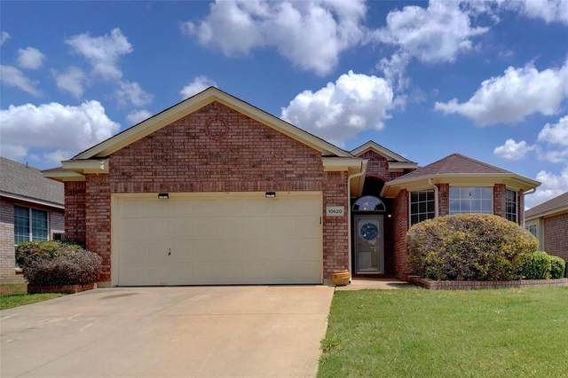 10620 Big Oak Drive, Fort Worth, TX 76131 (MLS #14628015) :: Maegan Brest   Keller Williams Realty