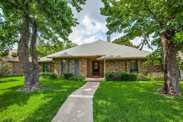 9751 Amberley Drive, Dallas, TX 75243 (MLS #14632253) :: Real Estate By Design