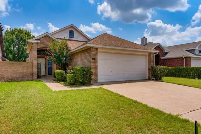 6924 Aston Drive, North Richland Hills, TX 76182 (MLS #14632443) :: The Daniel Team