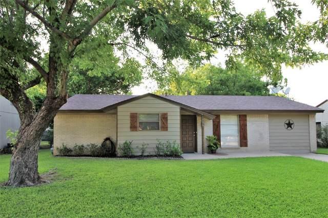 736 SW Southridge, Burleson, TX 76028 (MLS #14632754) :: The Mauelshagen Group