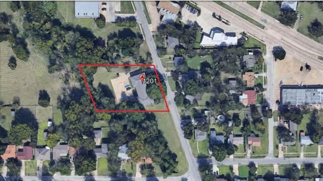 1201 N Elm, Lancaster, TX 75146 (MLS #14633658) :: Real Estate By Design