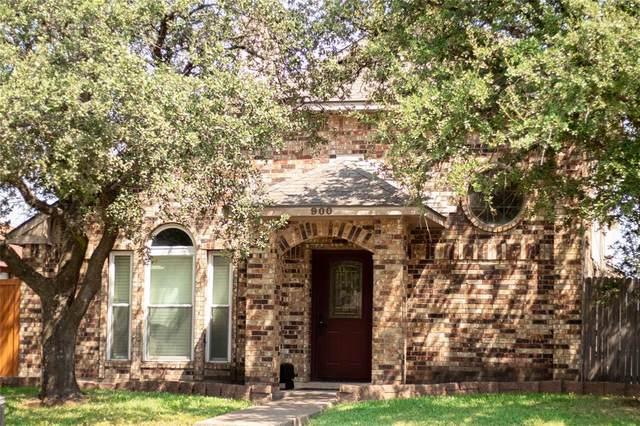 900 Old Barn Lane, Mesquite, TX 75149 (MLS #14635313) :: RE/MAX Pinnacle Group REALTORS
