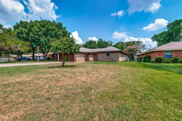 1703 Northwood Court, Arlington, TX 76012 (MLS #14636582) :: Real Estate By Design