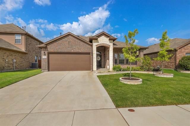 1236 Rebecca Lane, Saginaw, TX 76131 (MLS #14637337) :: EXIT Realty Elite