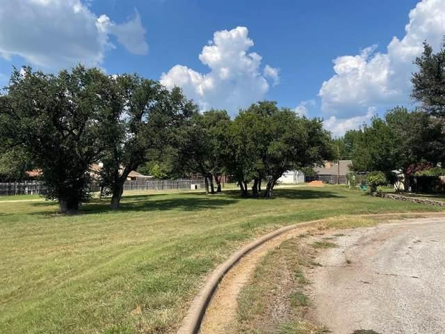 1506 Thomas Lane, Graham, TX 76450 (MLS #14637619) :: Robbins Real Estate Group