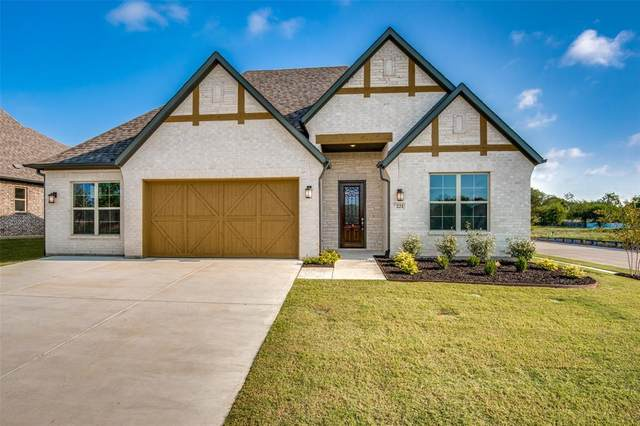 221 Cresta Circle, Keller, TX 76248 (#14638590) :: Homes By Lainie Real Estate Group
