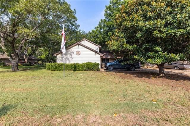 8823 Ravenswood Road, Granbury, TX 76049 (MLS #14639577) :: Premier Properties Group of Keller Williams Realty