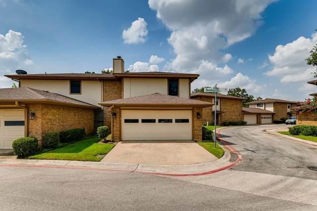 11 Greentree Lane, Bedford, TX 76021 (MLS #14640435) :: Real Estate By Design