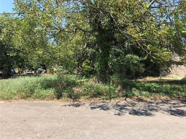 205 4th Street, Honey Grove, TX 75446 (MLS #14642019) :: The Property Guys